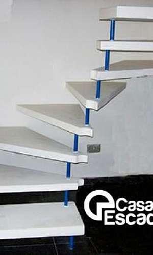 Escada em leque de concreto