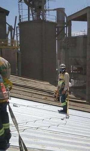 Prestação de serviço em telhas e coberturas